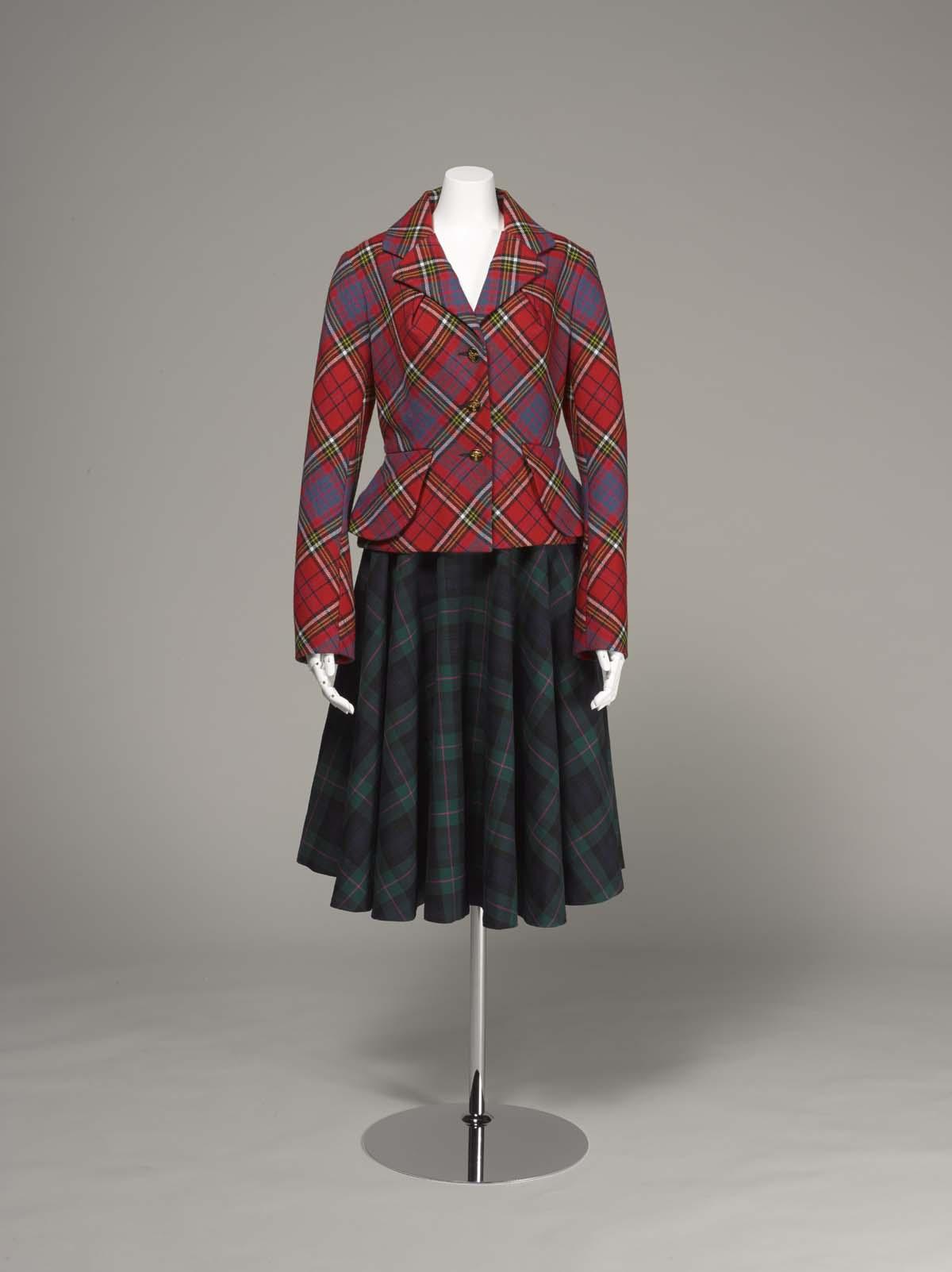 ヴィヴィアン・ウエストウッド<br /> 《タータン・スーツ》<br /> 1993年 神戸ファッション美術館蔵